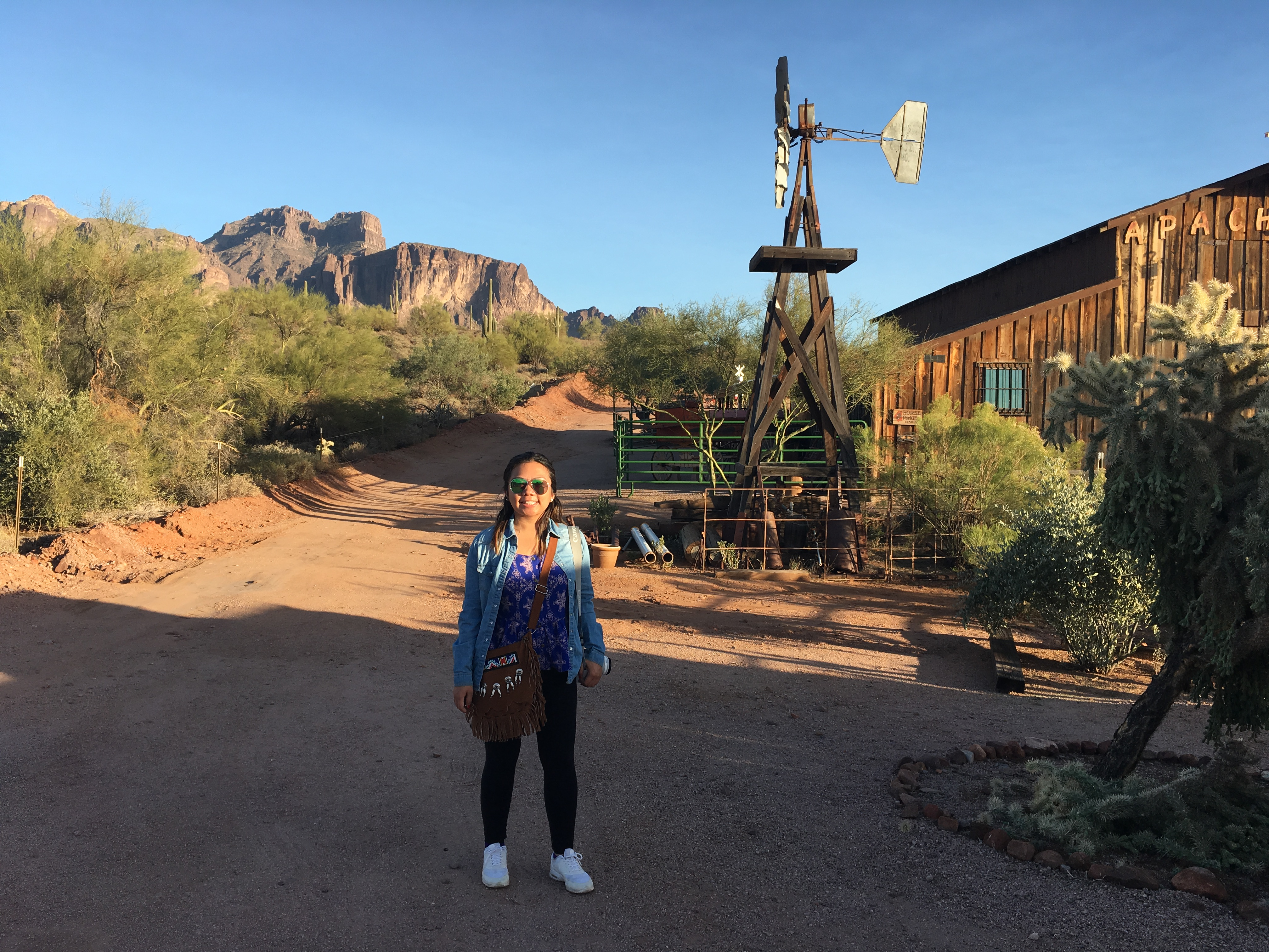 Mesa, AZ: Superstition Mountain Museum and The Superstitions