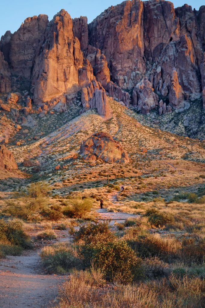 Easy Scenic Trails in The Superstition Mountains